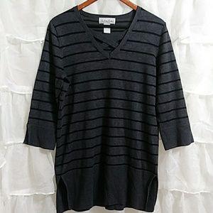 FASHION AVENUE V-Neck Striped Sweater
